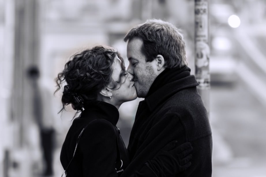 COuple_Kiss_kissing_Romance_Valentines_Day