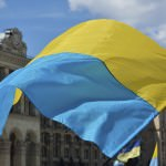 Ukraine_flag_flying_currency_collapsing