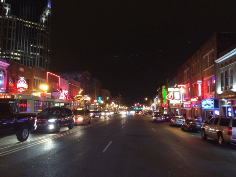 broadway_nashville_neon_country