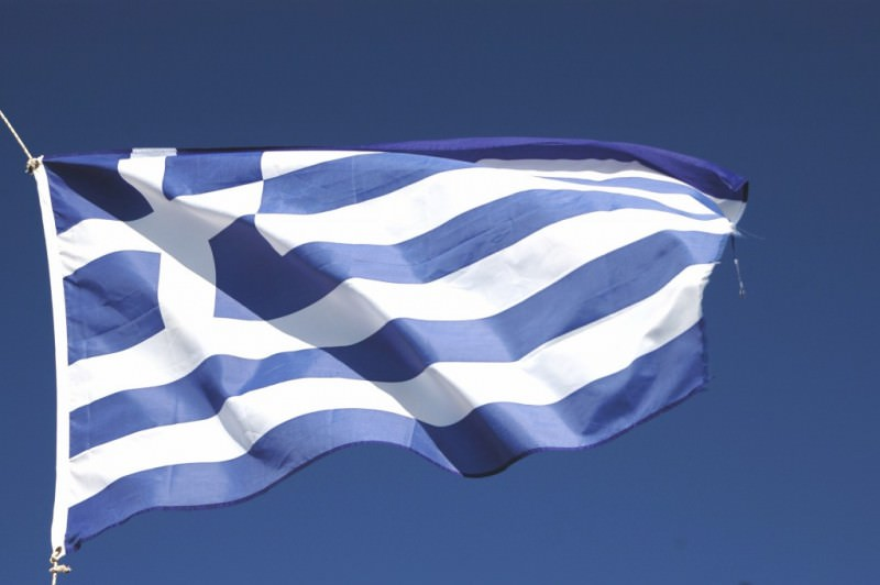 greece_flag_blowing