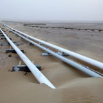 oil_pipeline_in_the_desert_of_Qatar