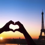 valentines_hear_paris_eiffel_tower