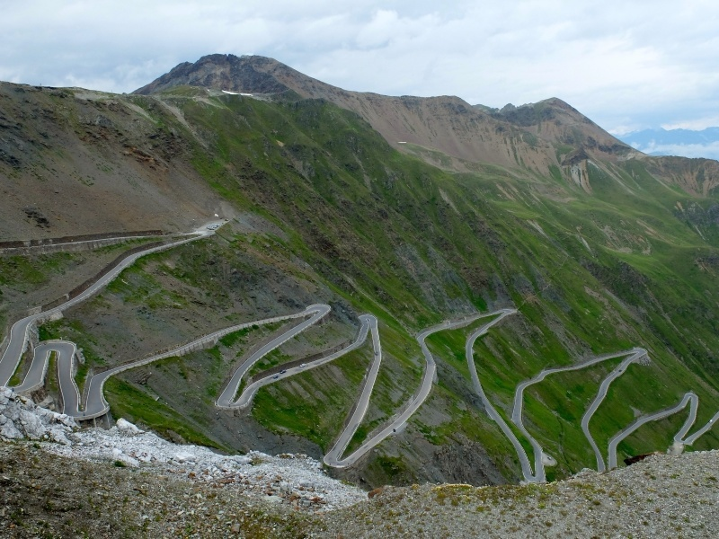 stelvio_pass_iconic_roads_in_Europe