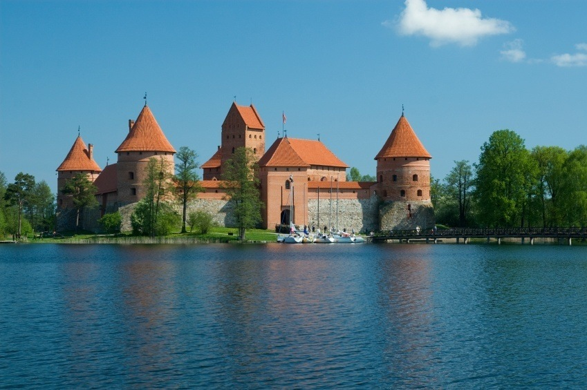 castle lake daytime lithuania water red