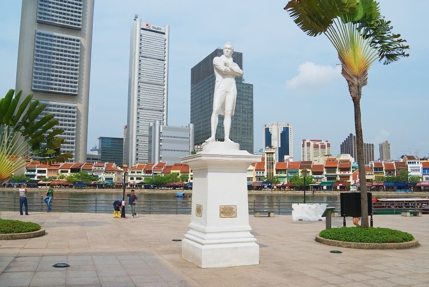 statue singapore city sir british daytime