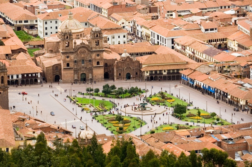 cusco inca peru square plaza colonial buildings
