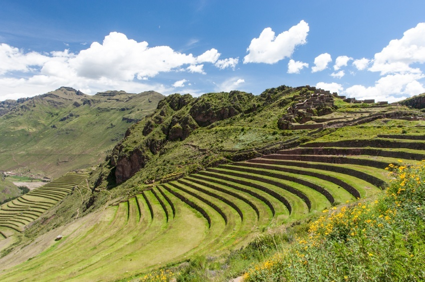 sacred valley peru inca ancient