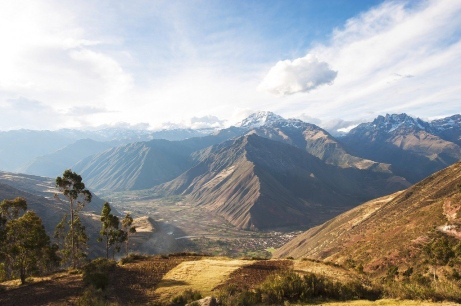 where to travel in peru mountains valley inca