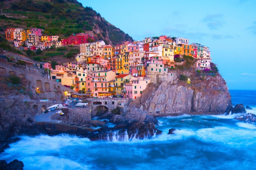 cinque terre manarola cliff sea town buildings