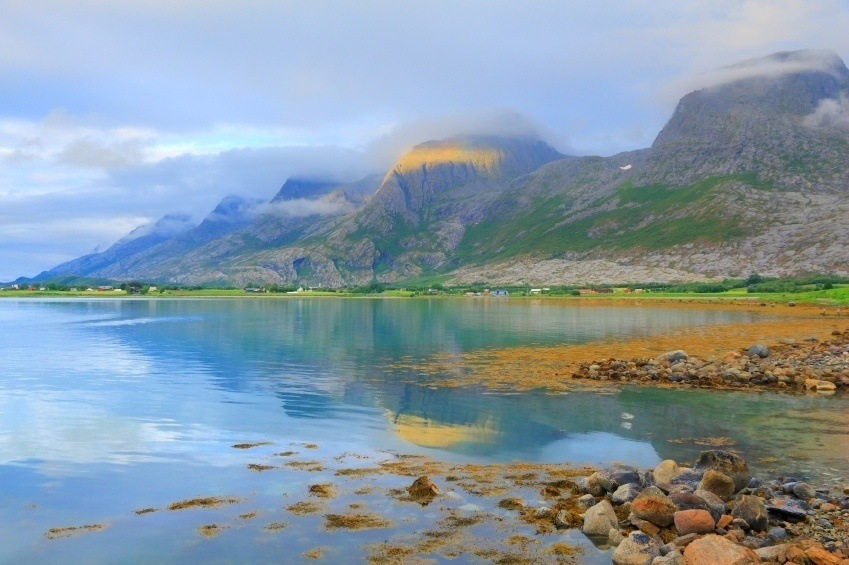 nordland norway water mountains seven sisters