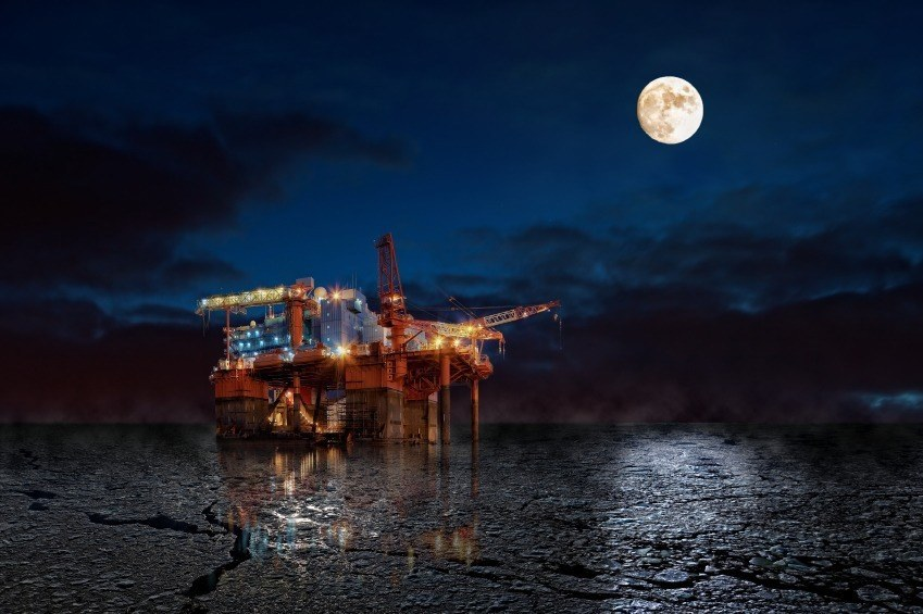 oil right night water arctic moon dark sea