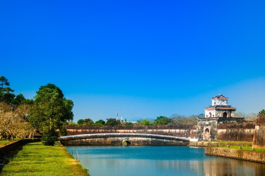 hue vietnam citadel imperial bridge river day