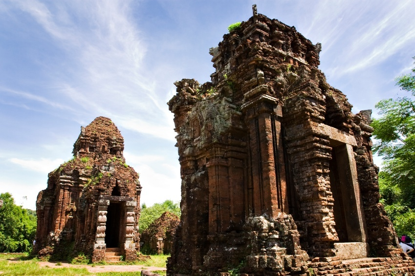 vietnam my son hindu temples shiva day ruins ancient