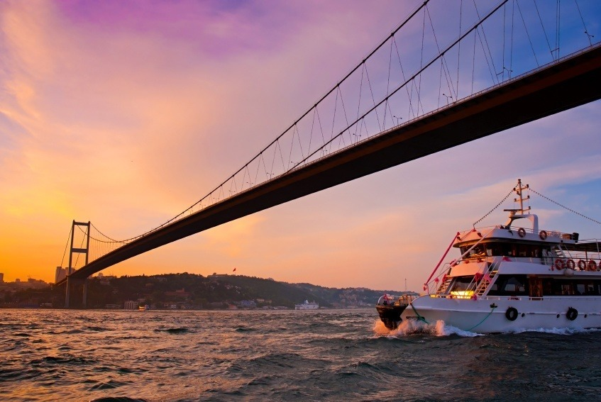 bridge bosphorus istanbul turkey asia europe