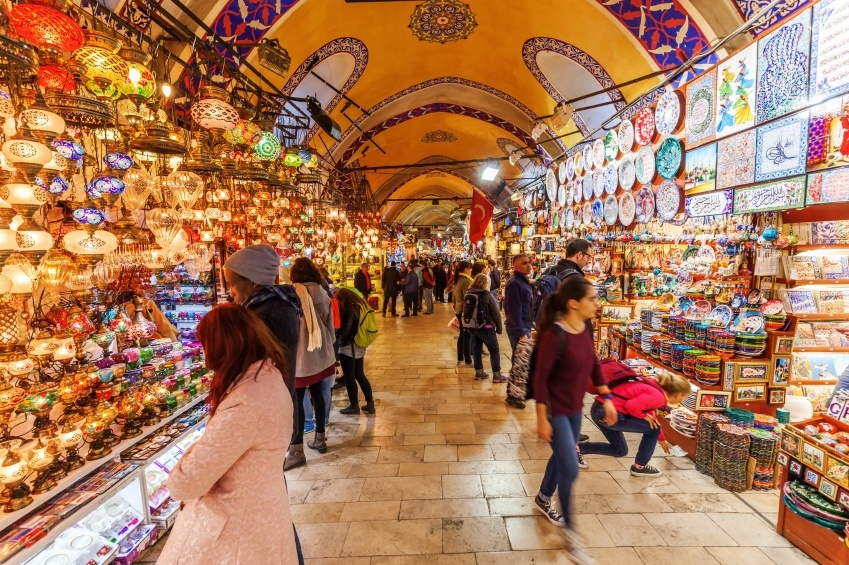 grand bazaar turkey istanbul market selling buying merchant landmark tourists