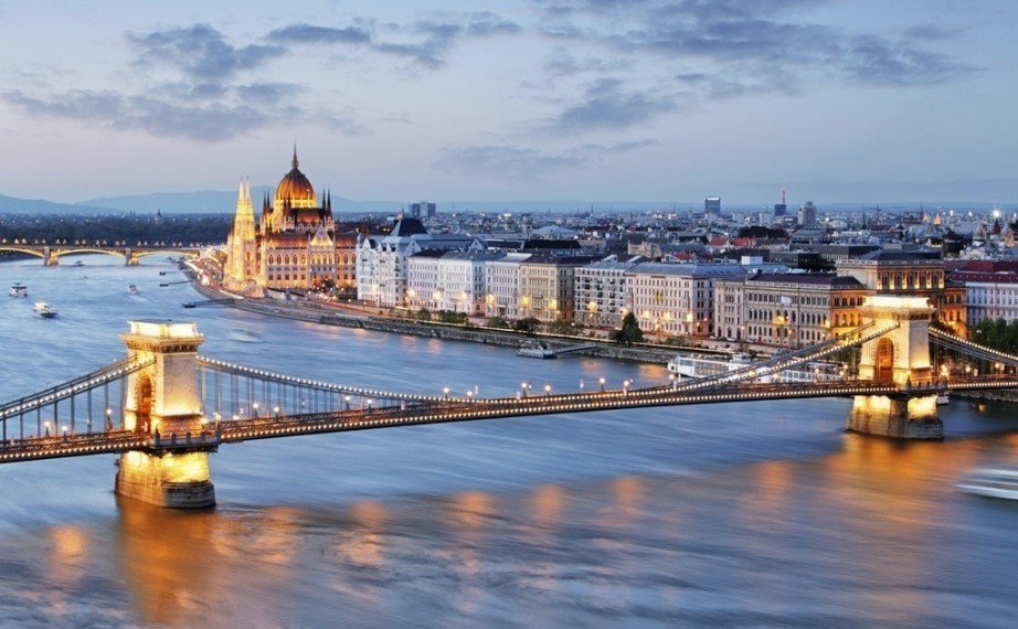 visit hungary travel guide budapest danube bridge