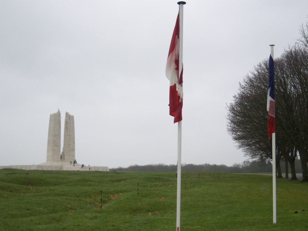 vimy ridge memorial war france canada flags
