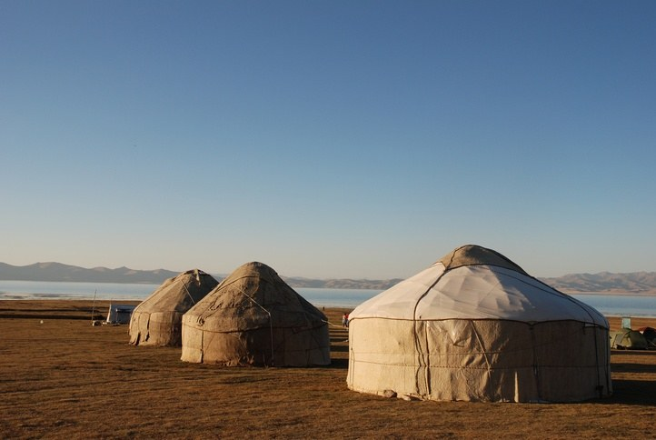 kyrgyzstan yurts tents traditional nomad nomadic steppe