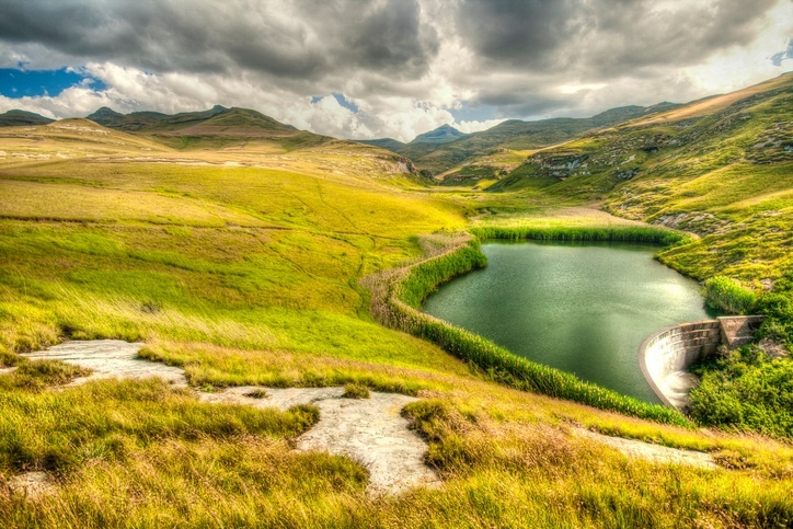 lesotho golden gate lake park landscape