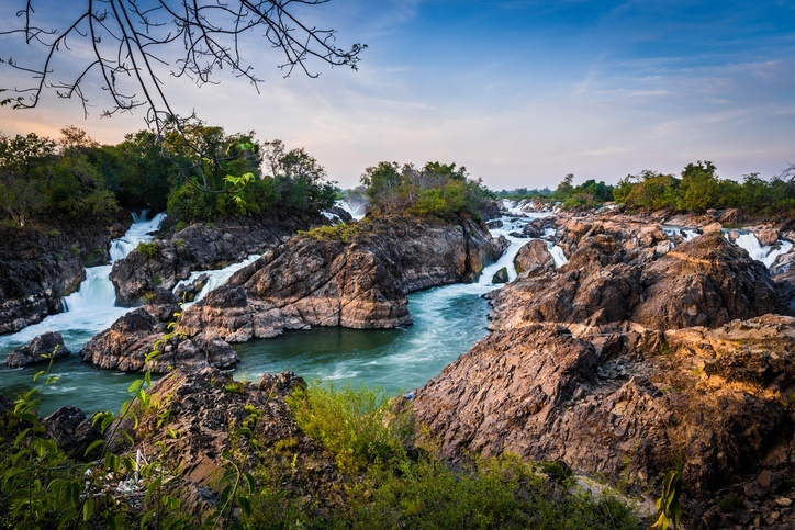 si phan do 4000 islands laos mekong water rocks