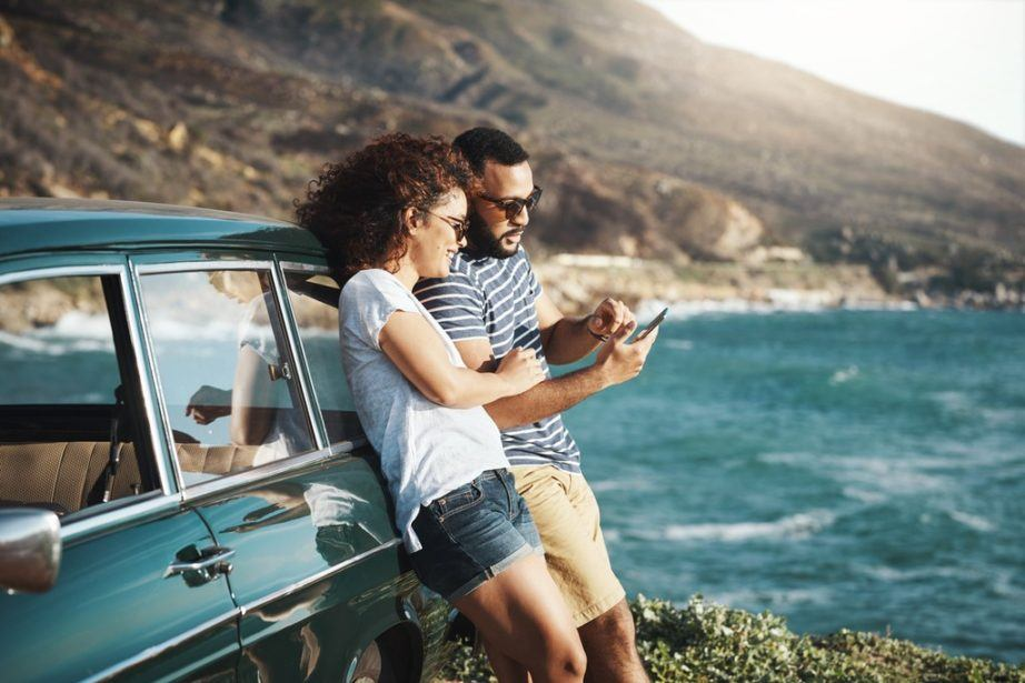 apps that work offline travel couple road trip